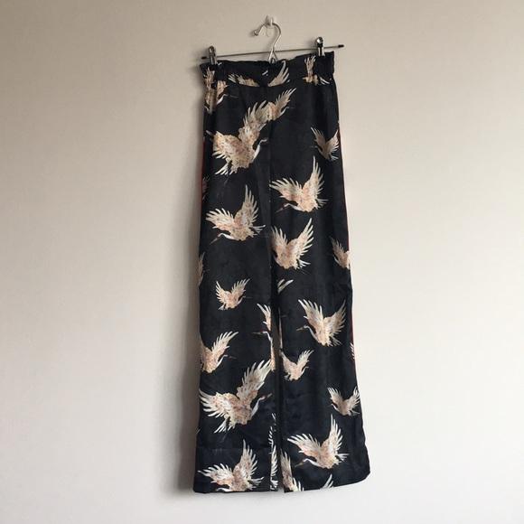 763668e42bc2 H&M Pants | Silky With Crane Print | Poshmark